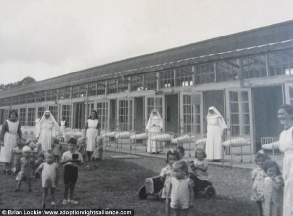 Fotos del convento que recibía a madres solteras y cuya mortandad fue a causa de epidemias que azotaron a Irlanda.